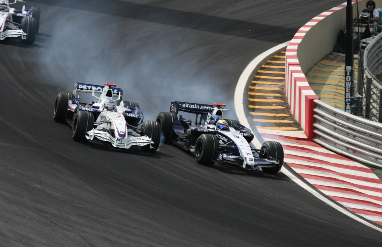 formula one vehicle overtaking