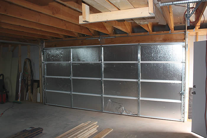 Tips-to-Maintain-Your-Garage-Door-in-a-Top-Condition